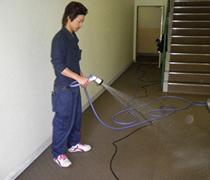 ①高圧洗浄機での作業