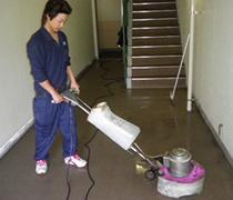 ②高圧洗浄機での作業