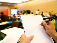 専門講師による社内研修を精力的に行うことで、スタッフのサービスやマナーのレベルアップに努めています